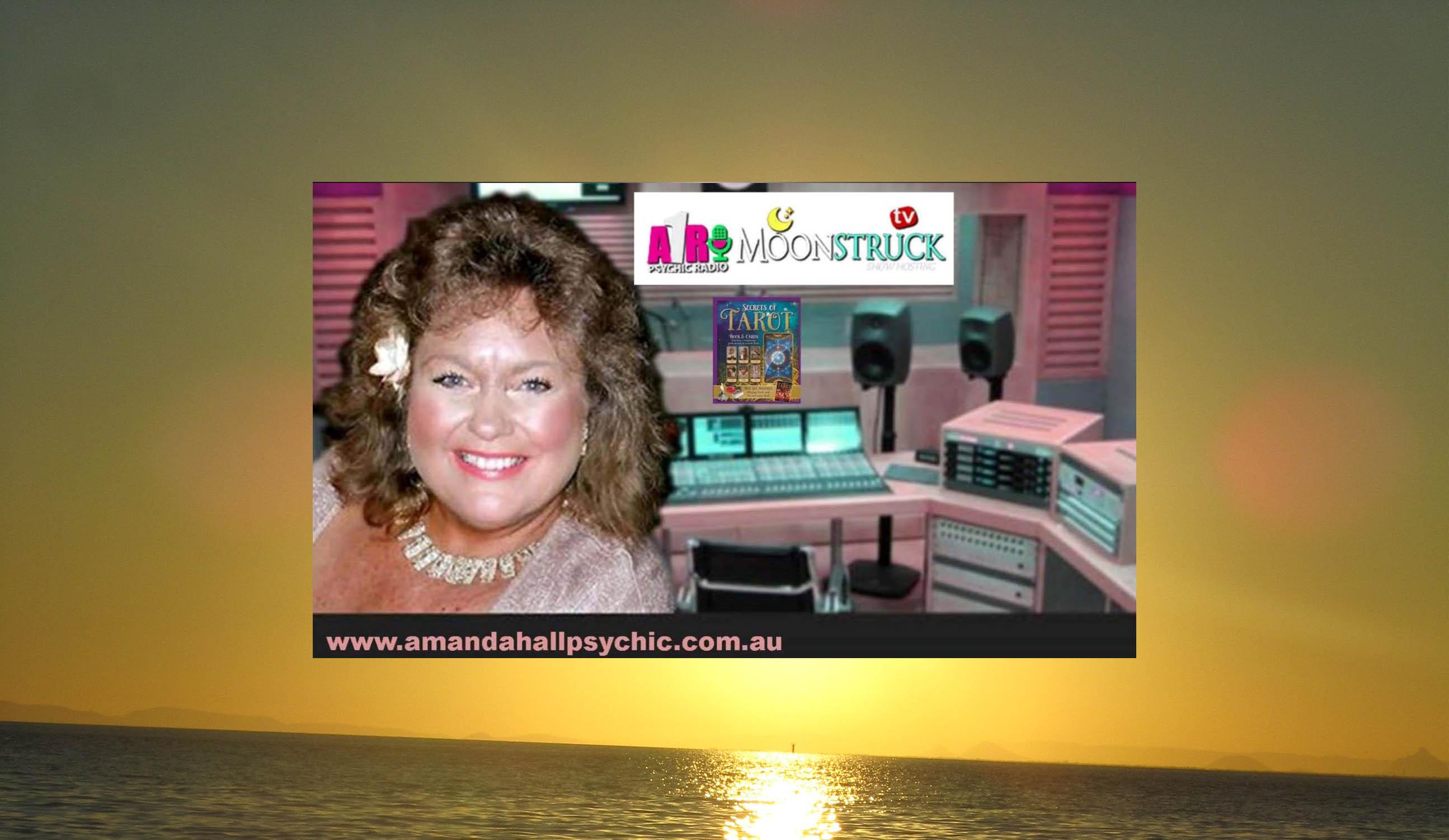 Amanda-hall-radio