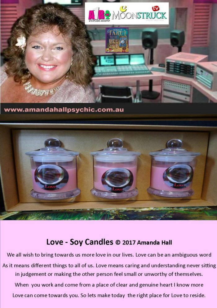 Love-gift-box-set-candles-info